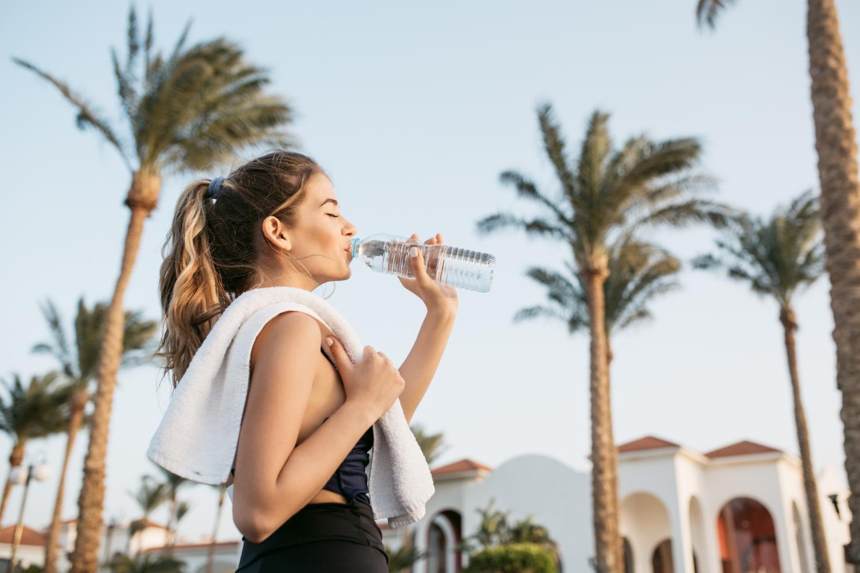 ประโยชน์ของการดื่มน้ำเปล่า